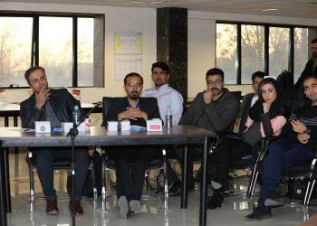 گزارش رویداد DMOND Pitches در اصفهان با موضوع رسانه و تبلیغات
