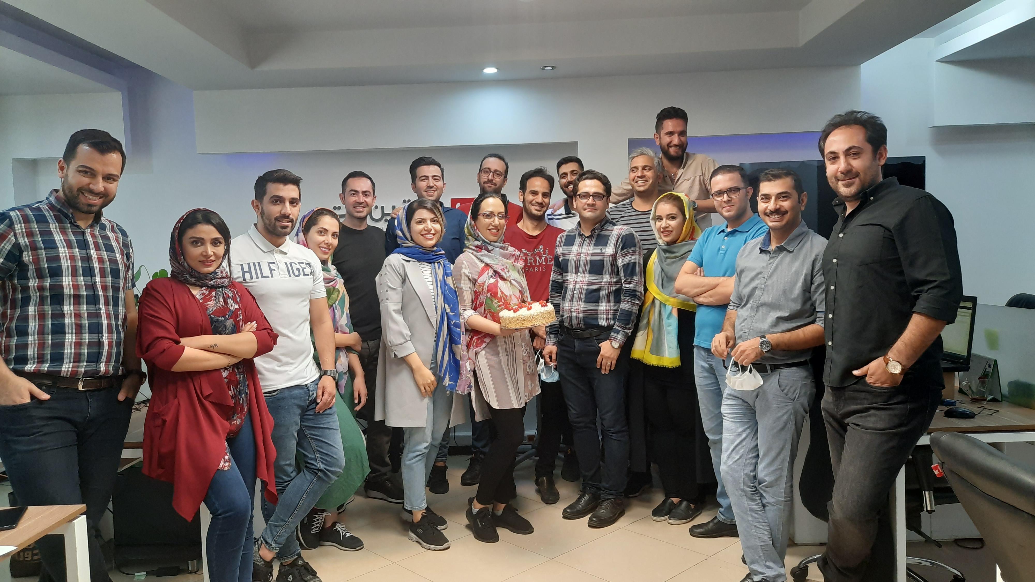 عکس دسته جمعی ویترین نت به مناسبت تولد شرکت